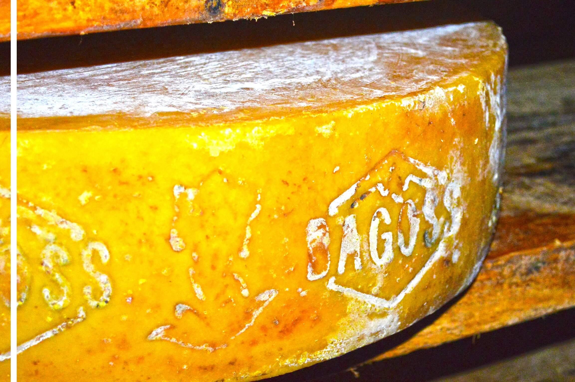 Formaggio Bagòss Fase di Stagionatura - Prodotto Tipico di Bagolino - Paolo Market il Tempio del Bagòss